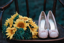 Beautiful Wedding Shoes With H...