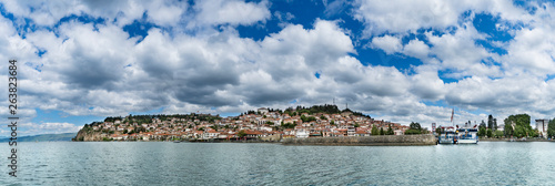 Foto auf AluDibond Stadt am Wasser Panoramic view of the historical part of ohrid town in macedonia - fyrom