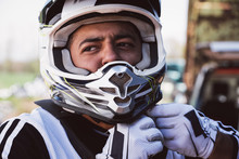 Motocross Driver Strapping Hel...