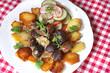 Gebratene Nieren und Herz vom Ziegenkitz mit Salat