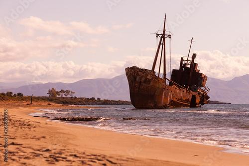 Foto op Canvas Schipbreuk The famous shipwreck near Gythio Greece