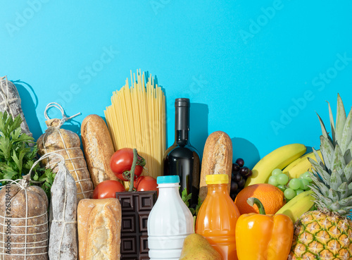Fotomural Fresh assorted grocery shopping items