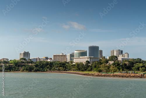 Fotografía Darwin Australia - February 22, 2019: Southwest side downtown skyline seen from harbour waters