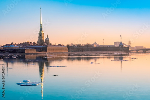 Saint-Petersburg Canvas