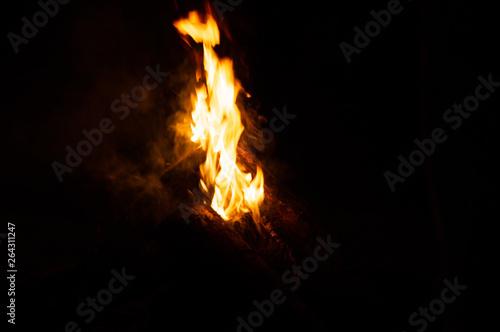 decoração fogueira fumaça