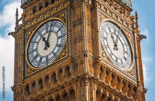 Big Ben (Elizabeth Tower) in London Canvas Print