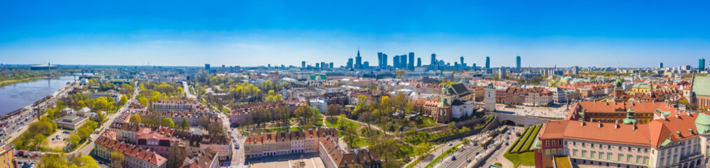 Panel Szklany Warszawa Historic cityscape panorama with high angle view of colorful architecture rooftop buildings in old town market square.