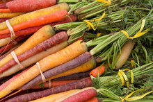 Rainbow Carrots Bunched With R...