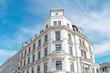 Leinwandbild Motiv hochwertige Altbauten, sanierte Gründerzeithäuser