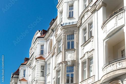 Fotobehang Oude gebouw hochwertige Altbauten, sanierte Gründerzeithäuser