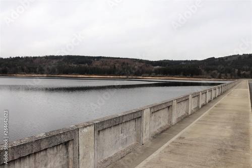 Photo Barrage et lac de  de Lavalette à Saint Jeures en Haute Loire - Auvergne