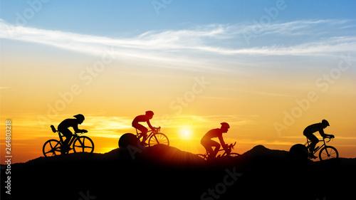 Montage in der Fensternische Himmelblau Cycling at black mountain