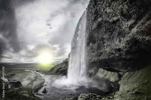 Islandia. Seljalandsfoss to zlokalizowany na południu kraju wodospad