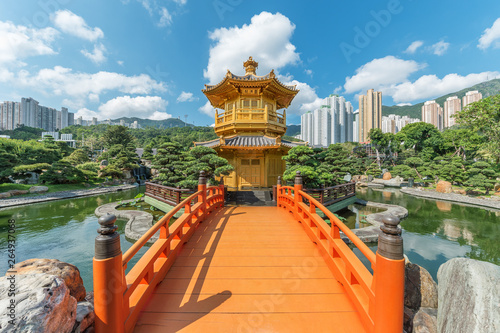Valokuvatapetti Pavilion in Chinese Temple - Chi Lin Nunnery in Hong Kong city