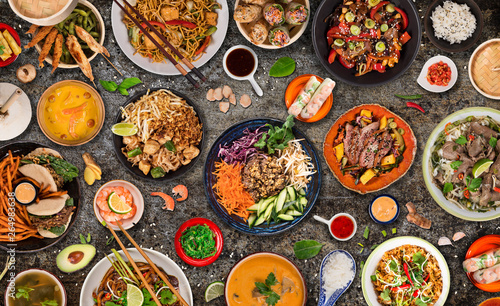 Nourriture Asian food background with various ingredients on rustic stone background , top view.