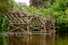 Pont De Bois En Ruine