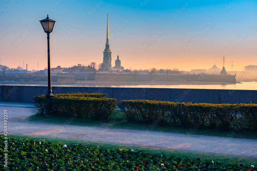 Fototapety, obrazy: Saint Petersburg. Russia. Peter-Pavel's Fortress. Morning. Fog over the Neva River.