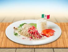 Chile En Nogada Comida Mexican...