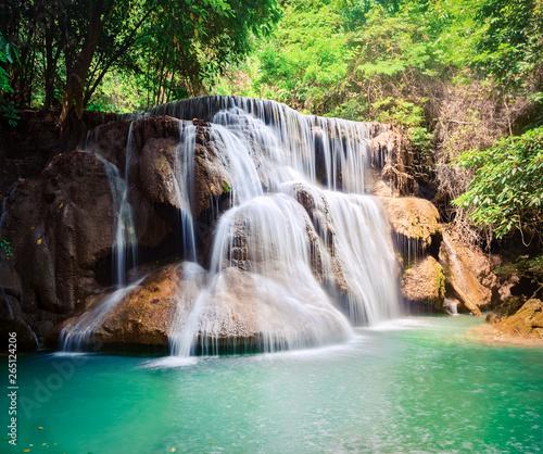Spoed Fotobehang Watervallen Beautiful waterfall Huai Mae Khamin, Thailand