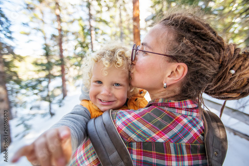 Papiers peints Individuel Family in Rocky mountains National park in USA