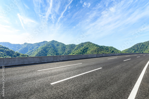 Foto auf Leinwand Himmelblau New highway road and beautiful mountain natural landscape