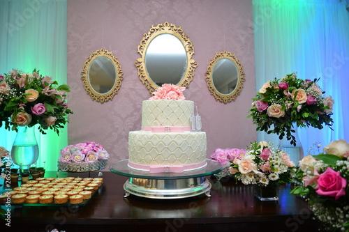 Obraz na plátně wedding cake decorated with flowers