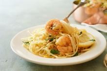 Homecooked Shrimp Scampi With Spaghetti Pasta And Lemon