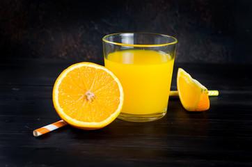orange juice and orange slices