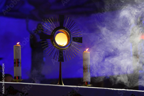 Fotomural  A ceremony in the church to issue the Monstrance