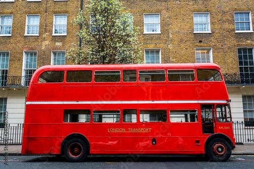 Papiers peints Rouge, noir, blanc Roter Doppeldeckerbus