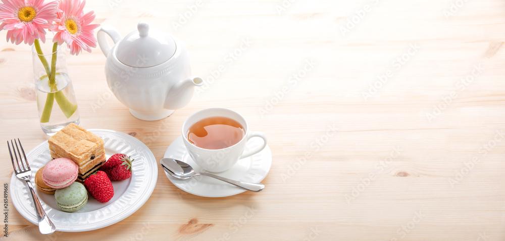 Fototapety, obrazy: macarons and tea for dessert
