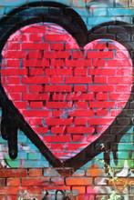 Cuore Sul Muro Colorato, Heart On A Colorful Wall