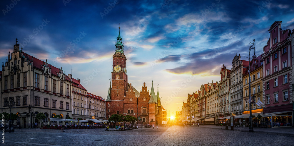Fototapety, obrazy: Wroclaw central market square with old houses and sunset. Panoramic evening view, long exposure, timelapse.  Historical capital of Silesia, Wroclaw (Breslau) , Poland, Europe.