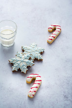 4 Christmas Cookies With Milk