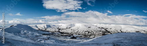A panoramic view of the peak district in winter with snow on the mountains from a high postion Tapéta, Fotótapéta