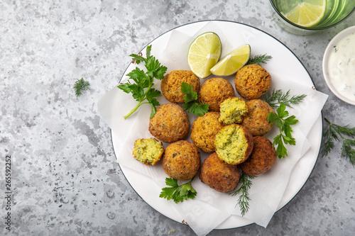 Fototapeta chickpeas falafel balls, vegan food obraz