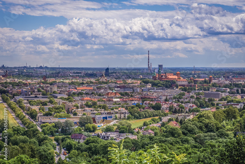 Photo sur Aluminium Cracovie Cracow city in Poland - panoramic view from Pilsudski Mound