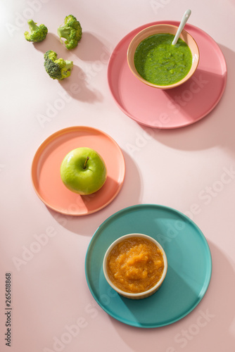 Poster de jardin Inde Homemade vegetable baby food purees in glass jars