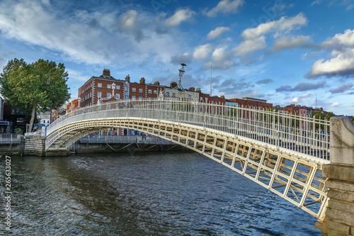 Fotografie, Obraz Ha'penny Bridge, Dublin, Ireland