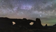 Time Lapse Of The Milky Way Ri...