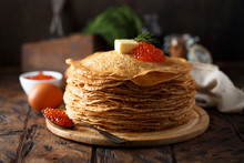 Traditional Russian Pancakes W...