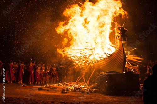Fotografija  Up Helly Aa Burning Galley Ship