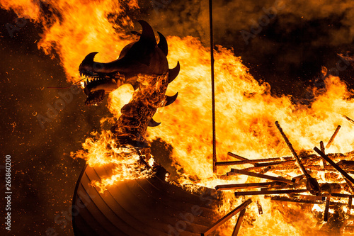 Fotografiet  Up Helly Aa Burning Galley Ship