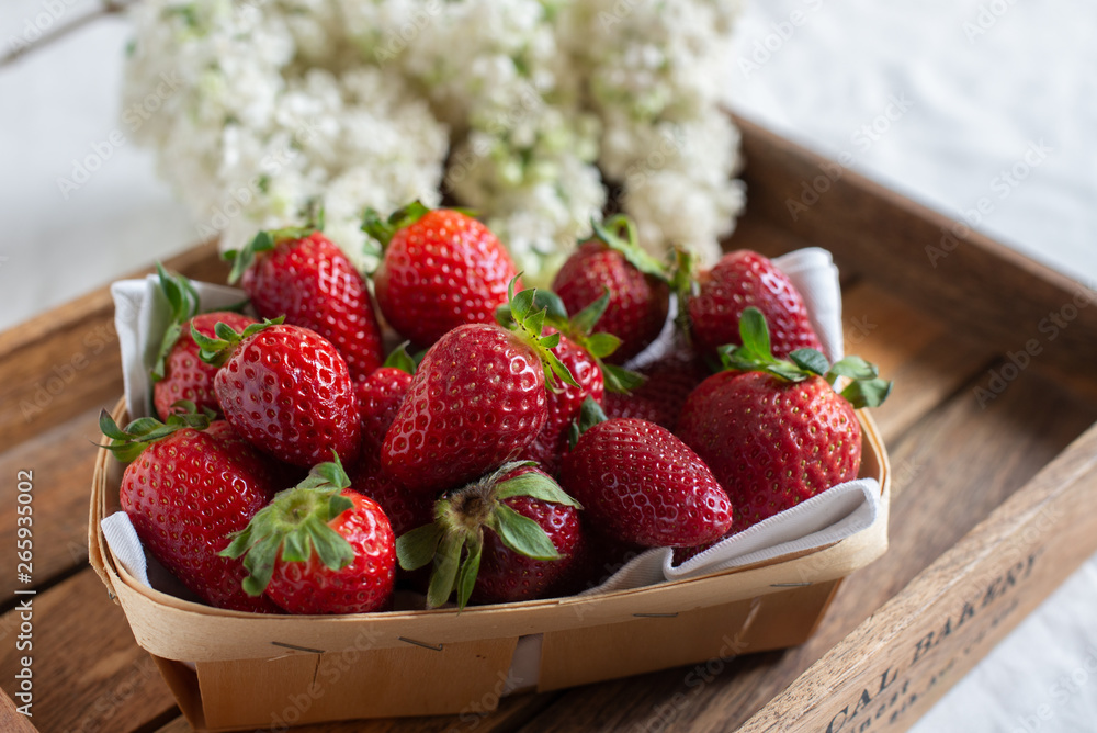 Fototapety, obrazy: Fresh strawberries in the mug on the wooden table