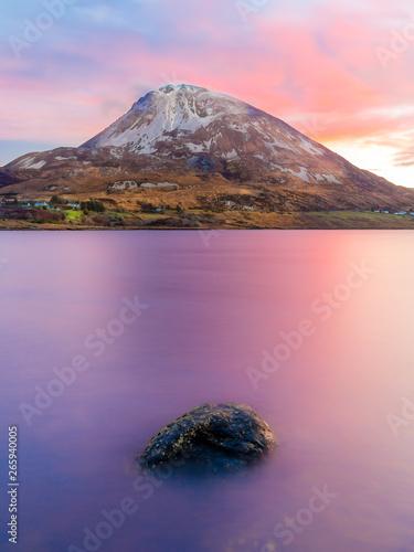 Poster Rose clair / pale Mount Errigal at Dawn