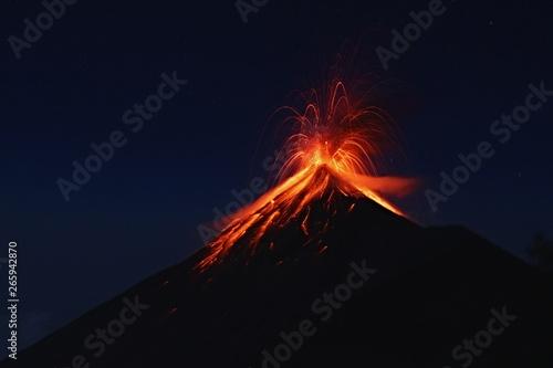 Obraz na płótnie Fuego Volcano eruption, view from volcano Acatenango, Guatemala