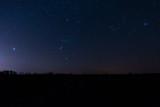 Orion nocne niebo zimowe niebo konstelacja gwiazdozbiór