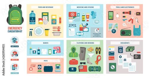 Fotografía  Emergency evacuation kit with supplies