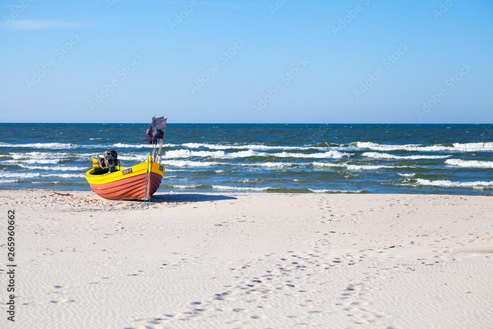 Fototapeta kutry, kutry rybackie, bałtyk kutry, morze kutry, dębki, karwia, morze bałtyckie