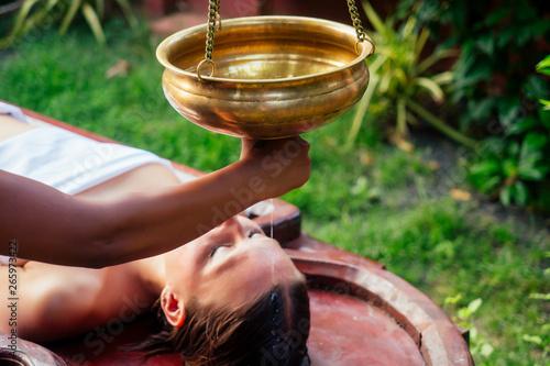 Fotografía  ayurveda massage alternative healing therapy